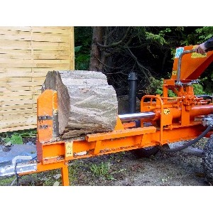 Kliefmachine B. 14 Ton op trekhaak