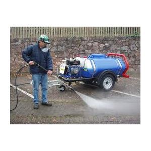 Hogedrukreiniger benzine 200b op trailer