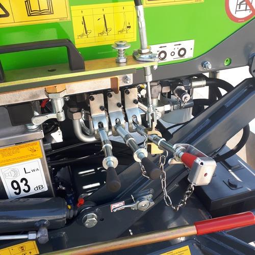 Foto Verhuislift op trailer 25 m 04 mastbediening